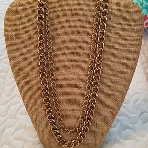 GUC Stella & Dot Curbchain in Gold Color